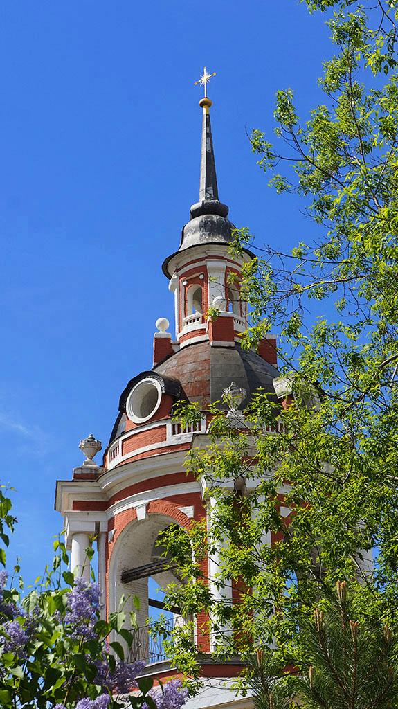 kolokolnya-byvshego-znamenskogo-monastyrya_06