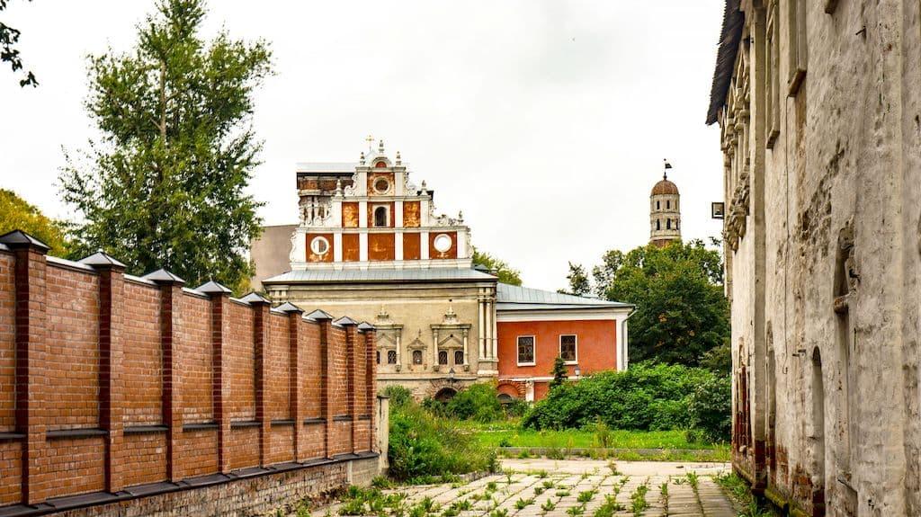 tihvinskaya-cerkov-v-simonovom-monastyre_01