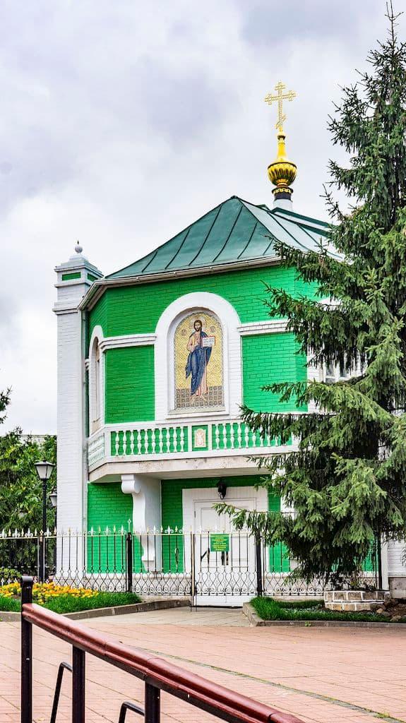 podvore-afonskogo-russkogo-pantelejmonova-monastyrya_23