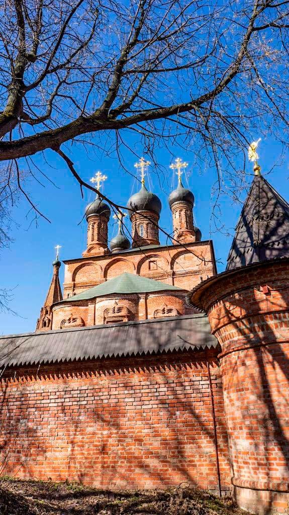 chasovnya-panteleimona-celitelya-na-kruticah_04