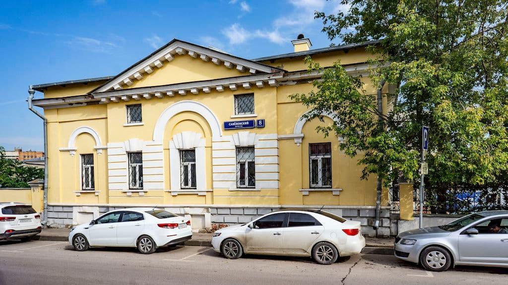 patriarshee-podvore-pri-hrame-very-nadezhdy-lyubovi-i-sofii_02