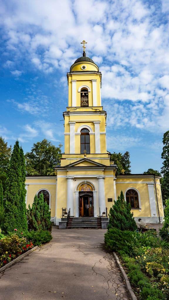 patriarshee-podvore-pri-hrame-very-nadezhdy-lyubovi-i-sofii_10