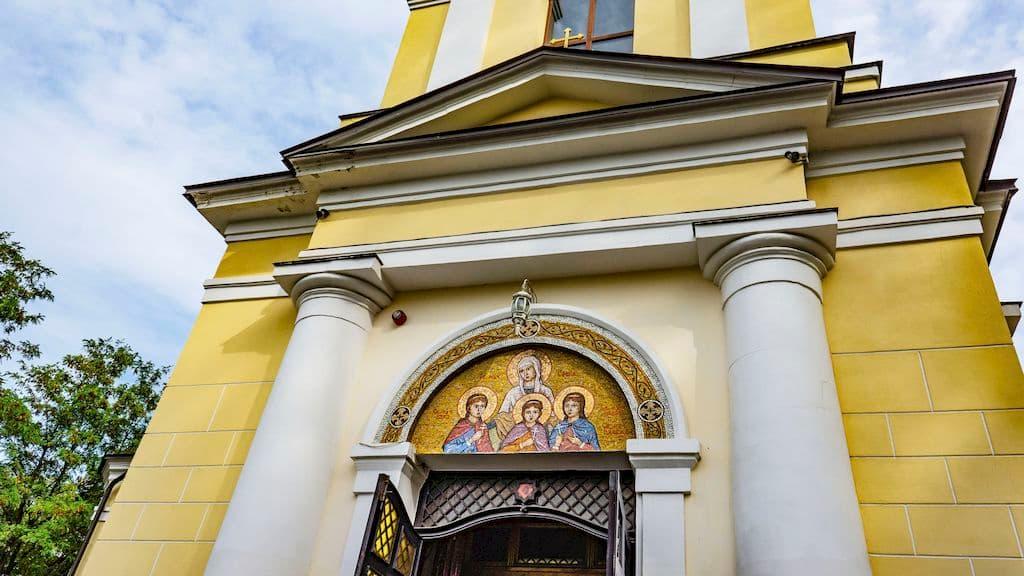 patriarshee-podvore-pri-hrame-very-nadezhdy-lyubovi-i-sofii_13
