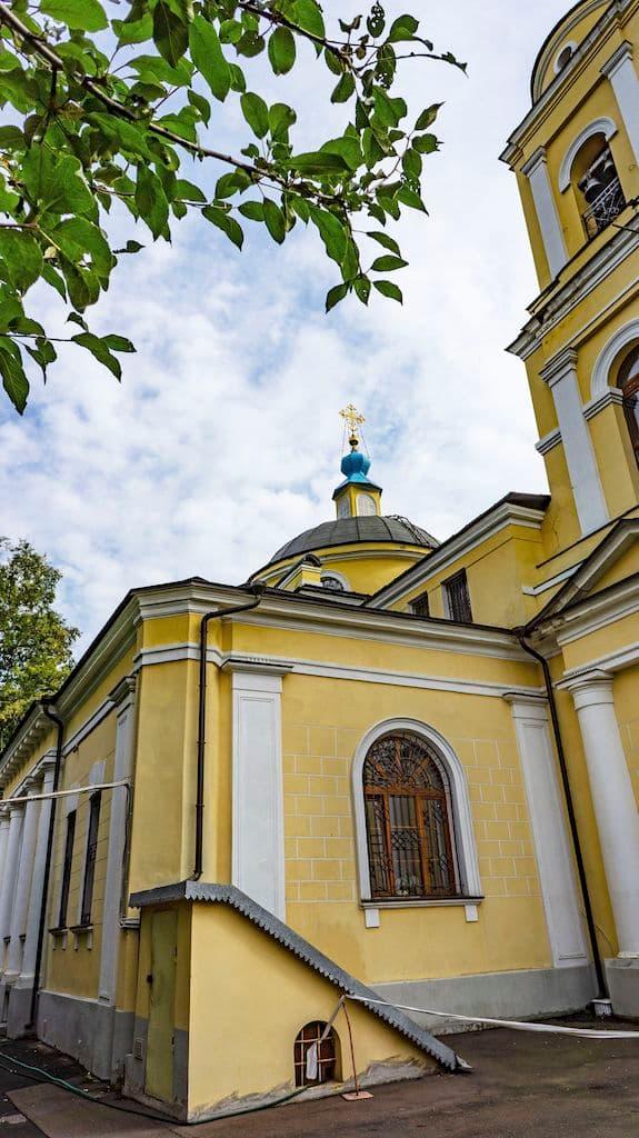 patriarshee-podvore-pri-hrame-very-nadezhdy-lyubovi-i-sofii_17