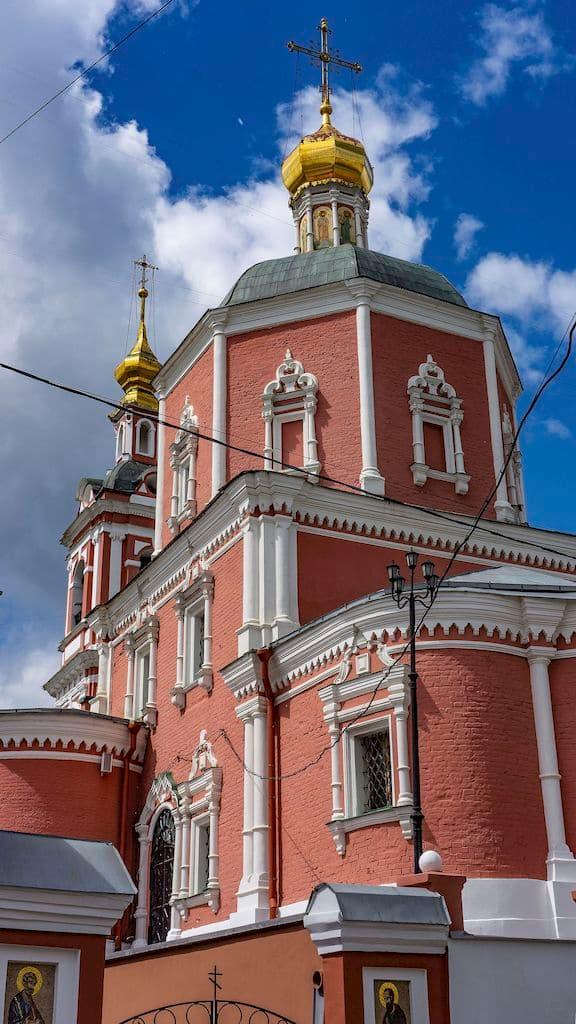 podvore-serbskoj-pravoslavnoj-cerkvi_02