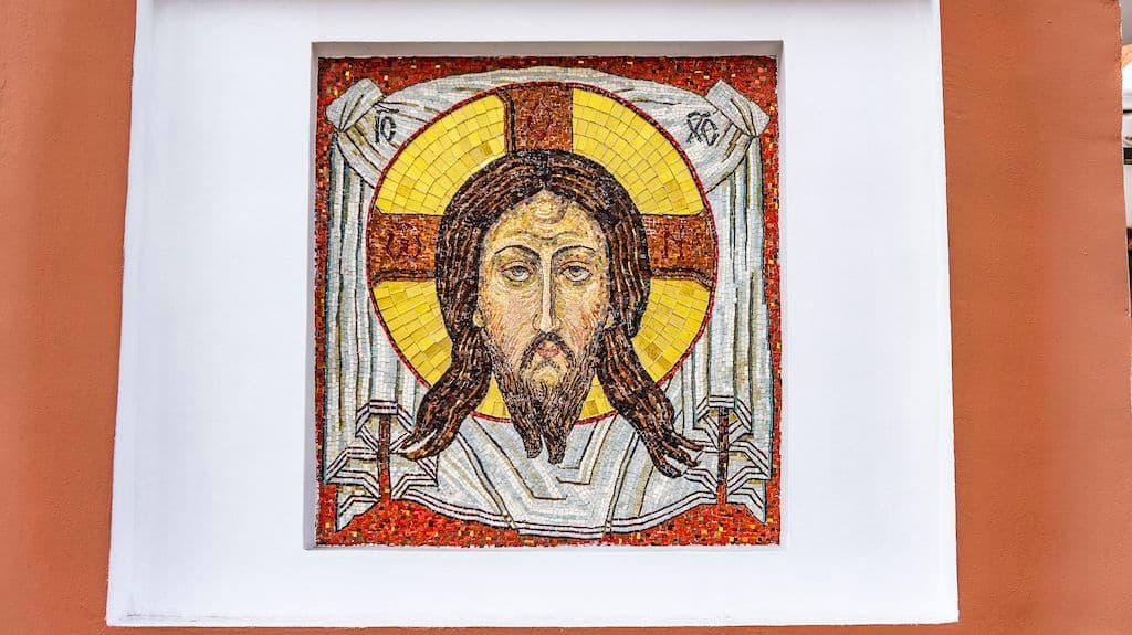 podvore-serbskoj-pravoslavnoj-cerkvi_06