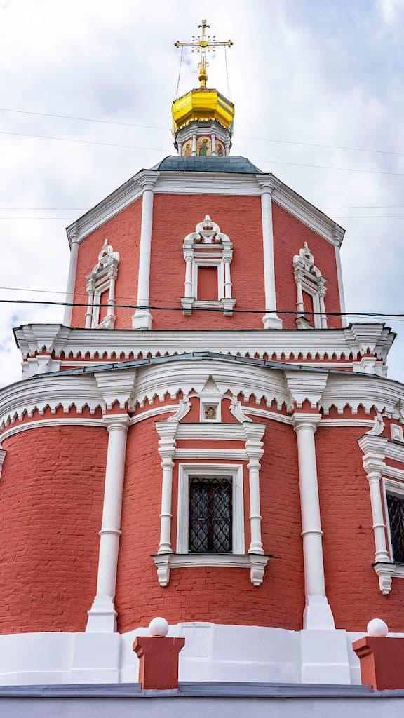 podvore-serbskoj-pravoslavnoj-cerkvi_07