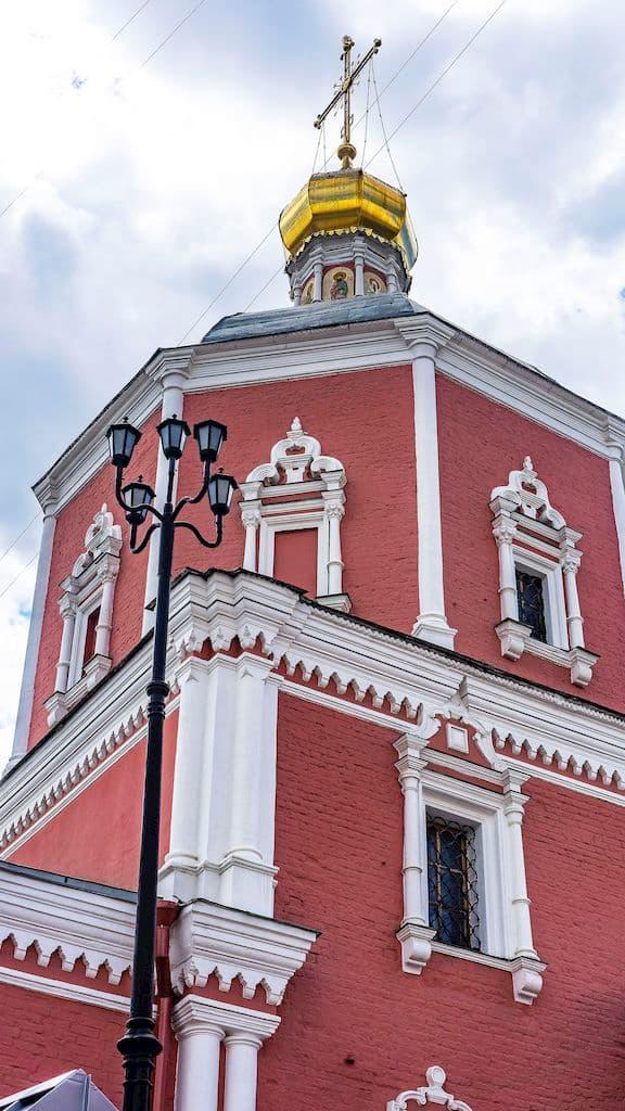 podvore-serbskoj-pravoslavnoj-cerkvi_10