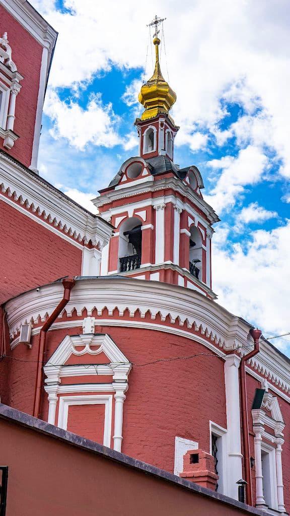 podvore-serbskoj-pravoslavnoj-cerkvi_11