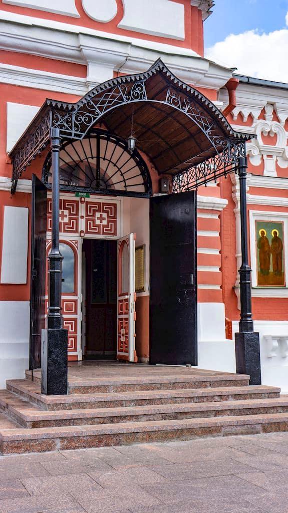 podvore-serbskoj-pravoslavnoj-cerkvi_14