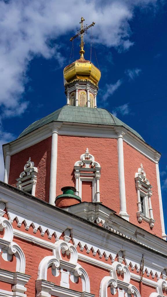 podvore-serbskoj-pravoslavnoj-cerkvi_21