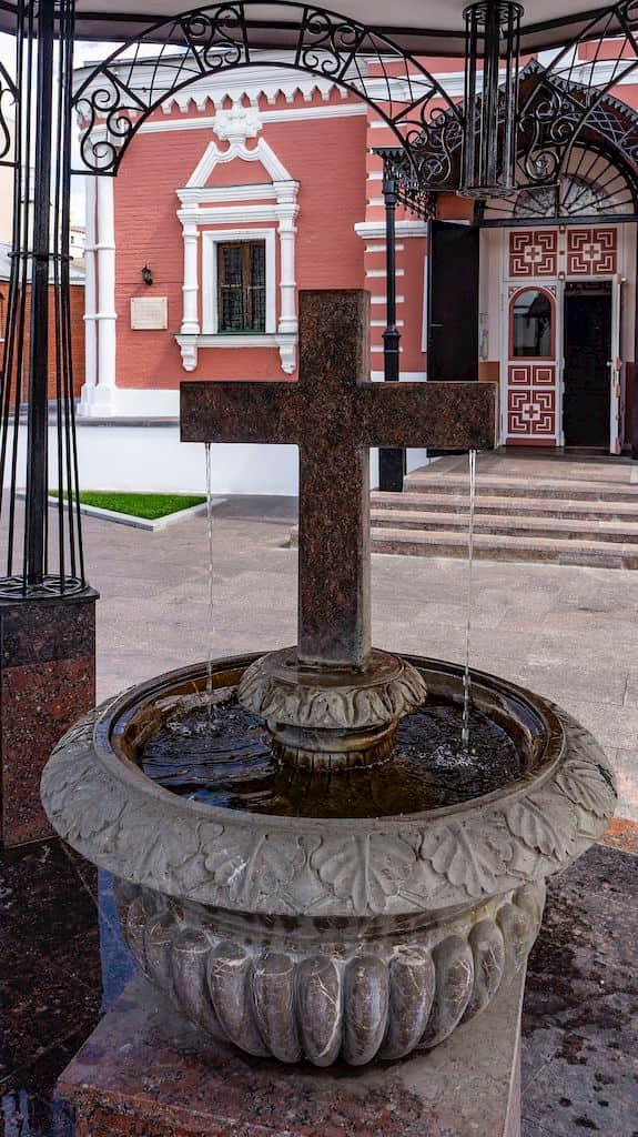 podvore-serbskoj-pravoslavnoj-cerkvi_24