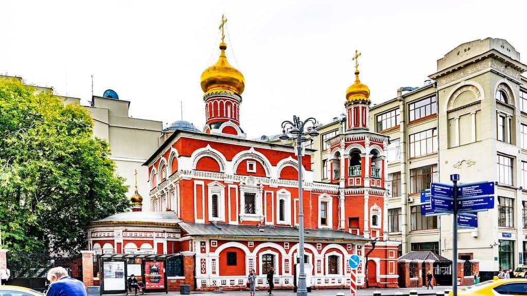 podvore-aleksandrijskoj-pravoslavnoj-cerkvi-v-moskve_02