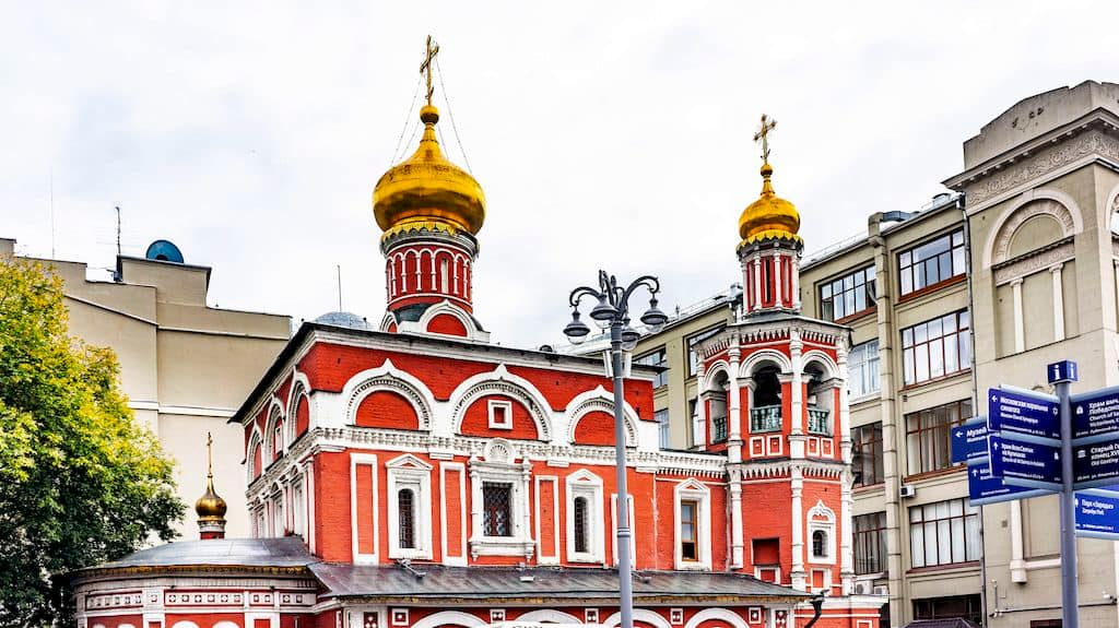 podvore-aleksandrijskoj-pravoslavnoj-cerkvi-v-moskve_04