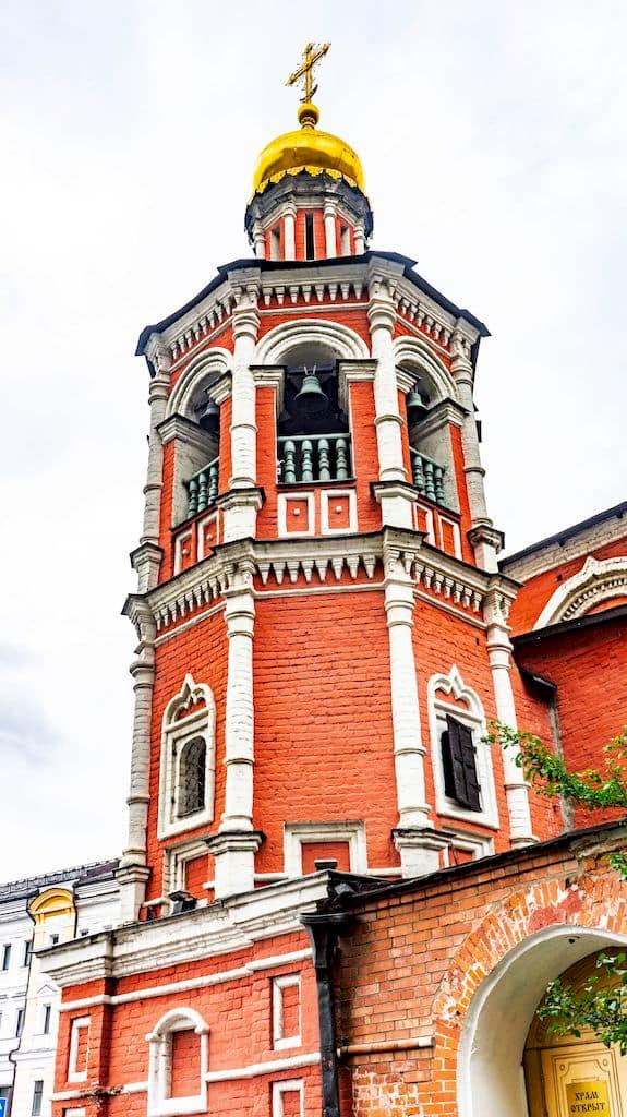 podvore-aleksandrijskoj-pravoslavnoj-cerkvi-v-moskve_10