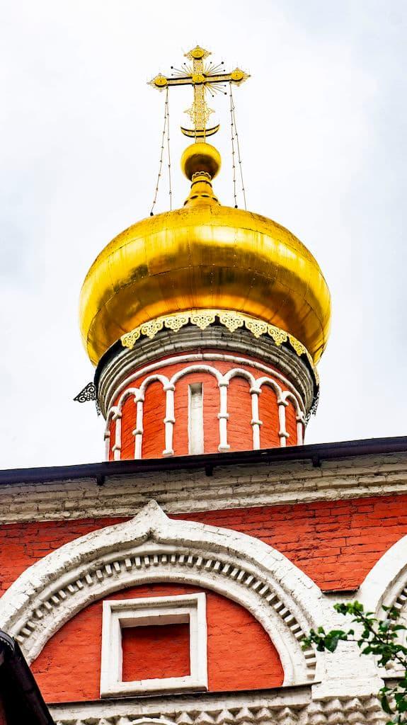 podvore-aleksandrijskoj-pravoslavnoj-cerkvi-v-moskve_12