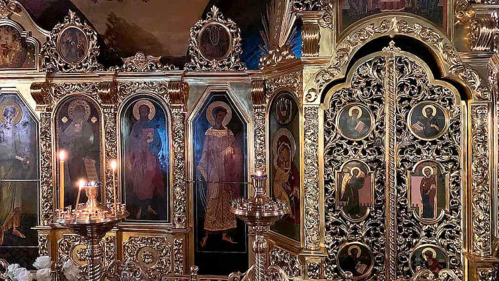 podvore-aleksandrijskoj-pravoslavnoj-cerkvi-v-moskve_16