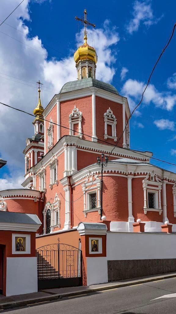 chto-takoe-podvore-v-pravoslavii-ponyatie-vidy_05