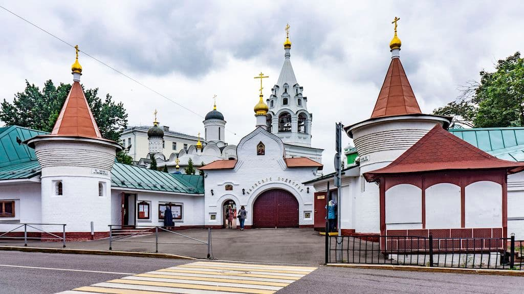 chto-takoe-podvore-v-pravoslavii-ponyatie-vidy_08