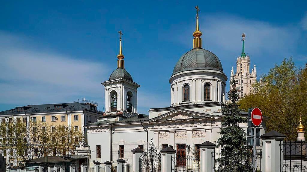 podvore-pravoslavnoj-cerkvi-cheshskih-zemel-i-slovakii_01