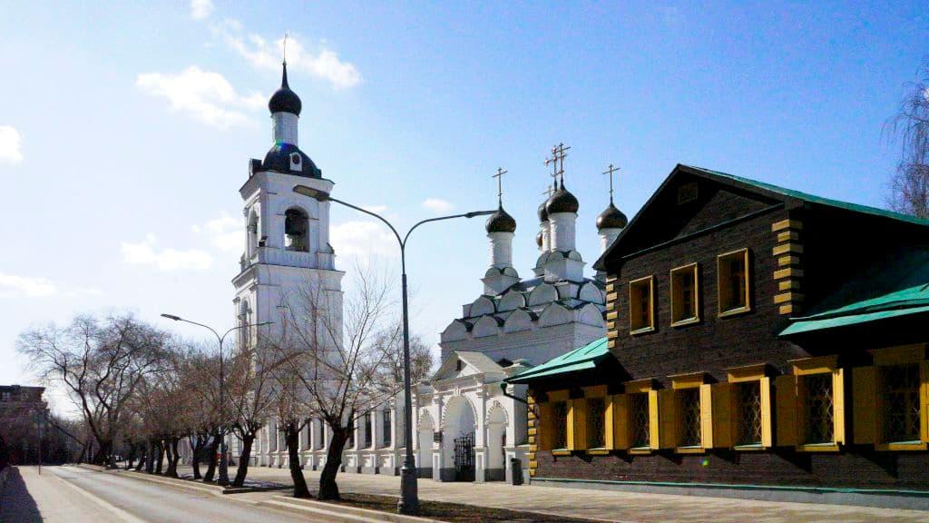 kitajskoe-podvore-patriarha-moskovskogo-i-vseya-rusi_01