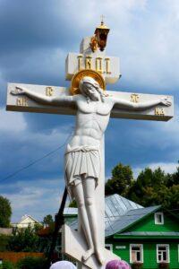 Крестный ход с Крестом с распятием